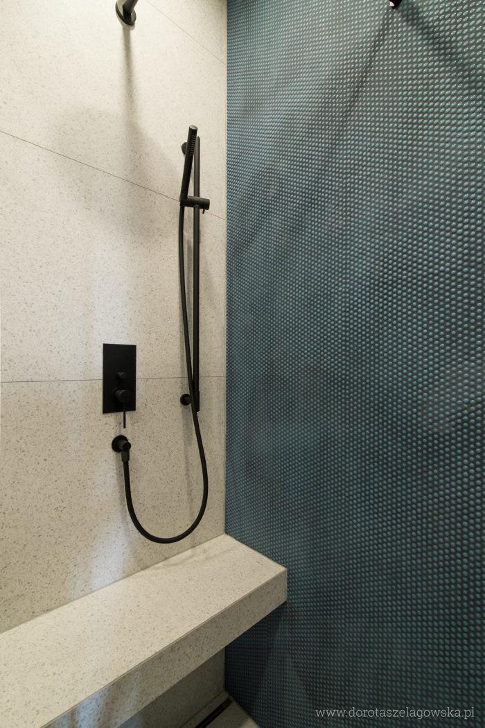 mala-lazienka-mozaika-700x1050.jpg