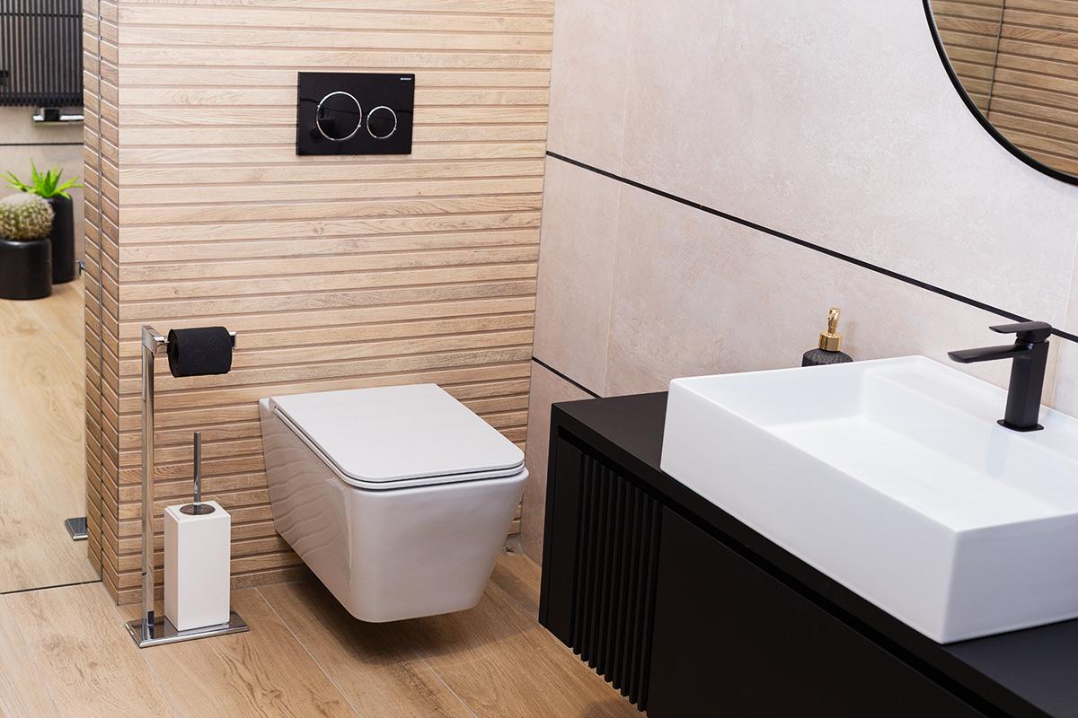Miska wc marki HusbLab bez widocznych śrub montażowych (zdj. MO Design)