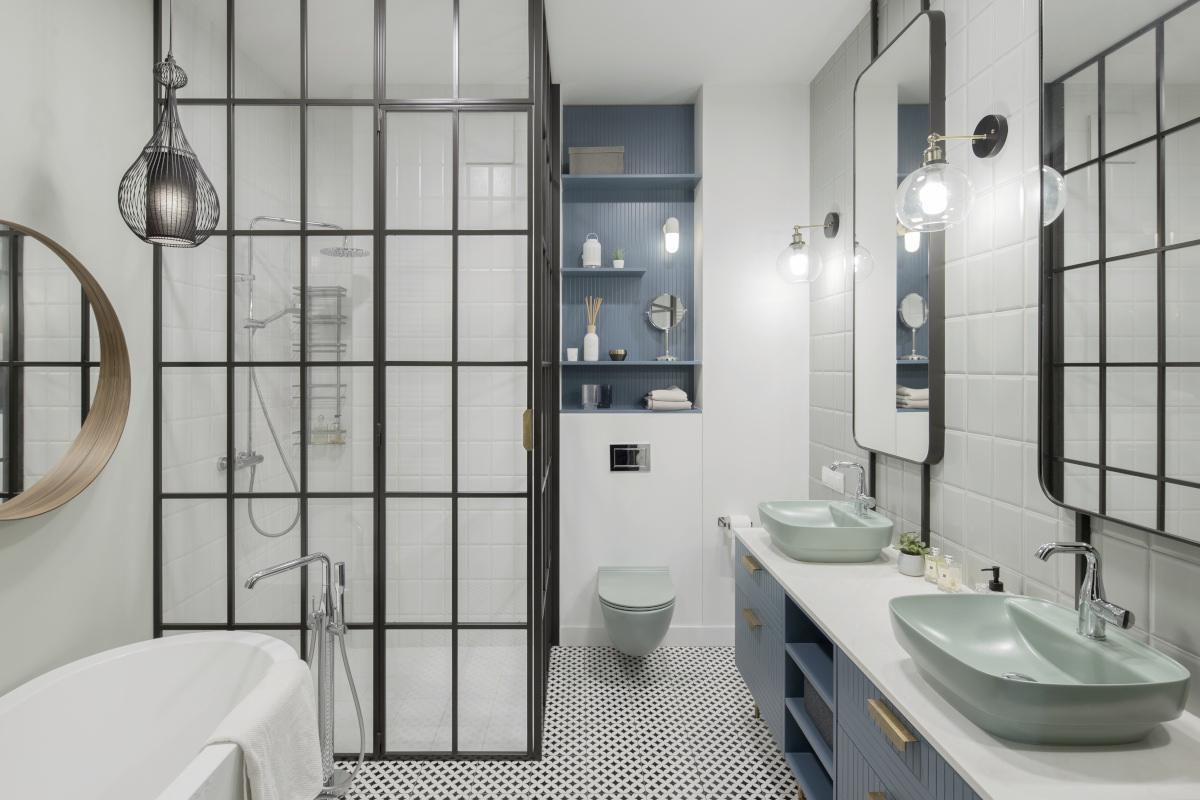 Łazienka z przeszkleniem