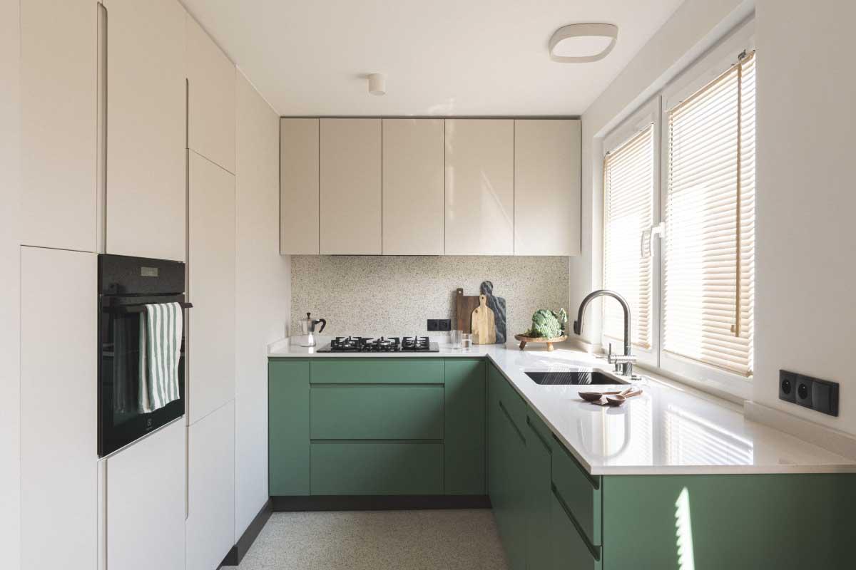 Niezwykłe mieszkanie w bloku z wielkiej płyty | Proj. Na Antresoli