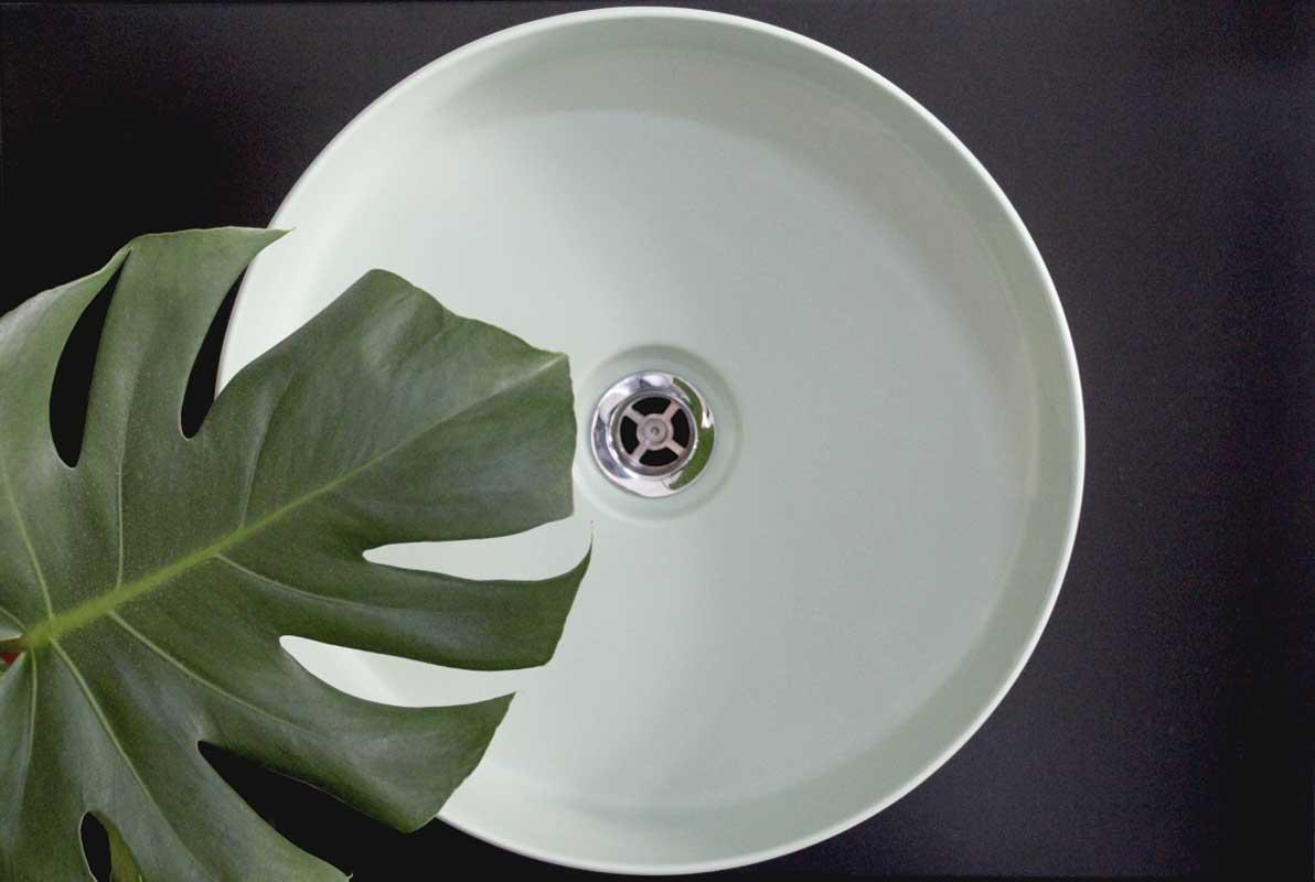Umywalka HushLab w kolorze Neo Mint wprowadzi zew natury do łazienki