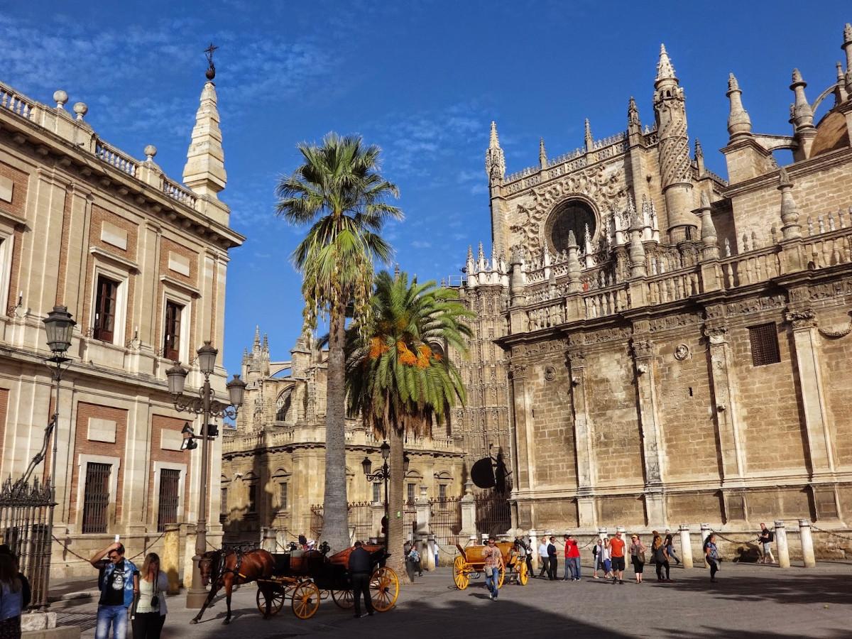 Stolica regionu Andaluzja - Sevilla - stała się inspiracją dla nowych wzorów Cole & Son