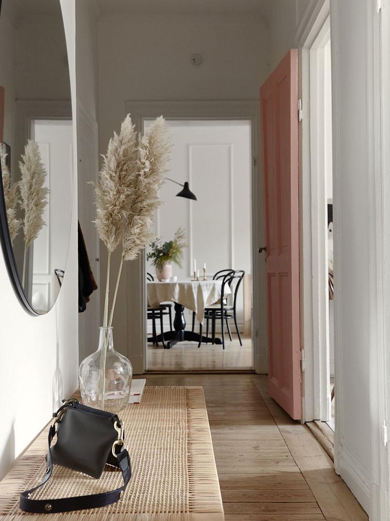 Trawy pompasowe są jedną z najbardziej pożądanych dekoracji we wnętrzach