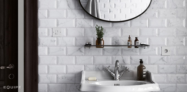 Płytki marmurowe Equipe idealnie wpisują się w łazienki w stylu retro