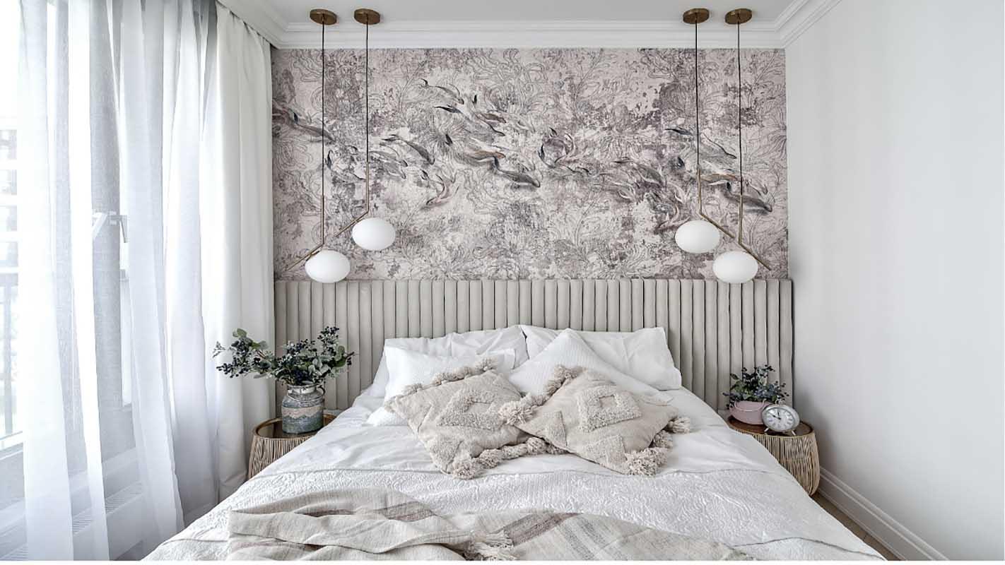 Klasyczna sypialnia z tapetą | proj.  Marika Kafar Autorska Pracownia Architektury Wnętrz