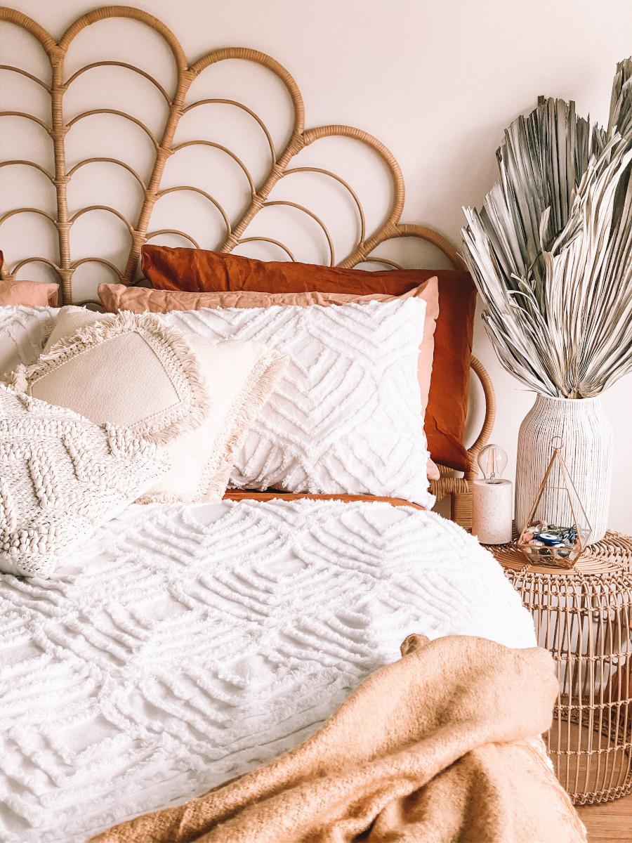 Wezgłowie w stylu boho w aranżacji sypialni