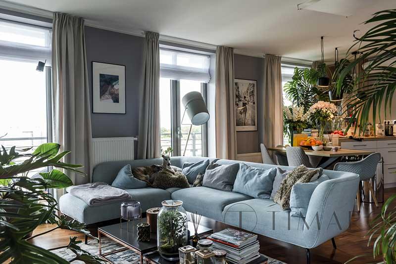 Tropiki i błękity w nieziemskim mieszkaniu | Proj: TIM Arc by TiM Grey