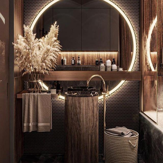 Projekt łazienki z elementami drewna, czerni i złota