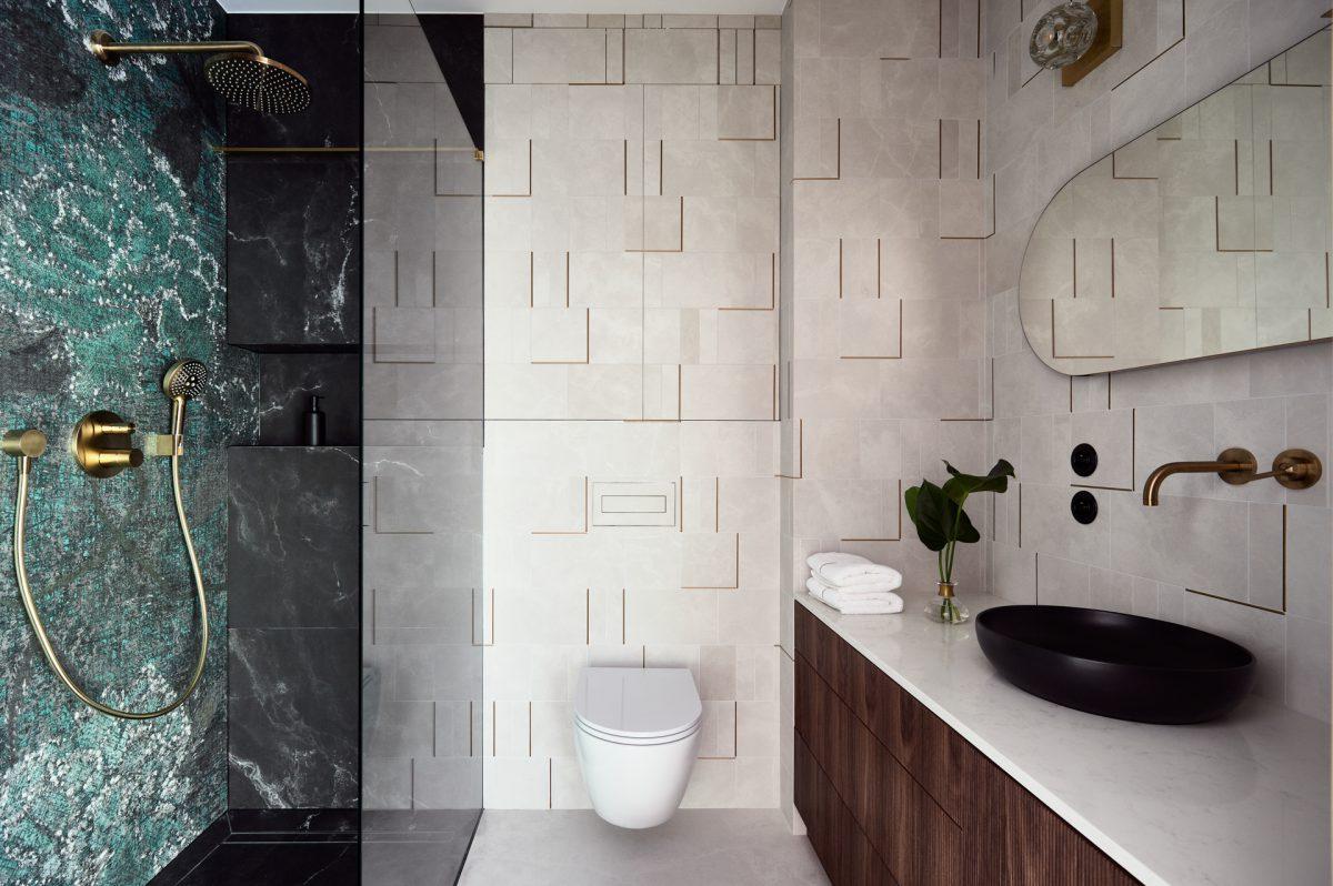 Łazienka z wykorzystaniem tapet Wall & Deco | proj. Architekt Anna Jurasz Stellar Studio