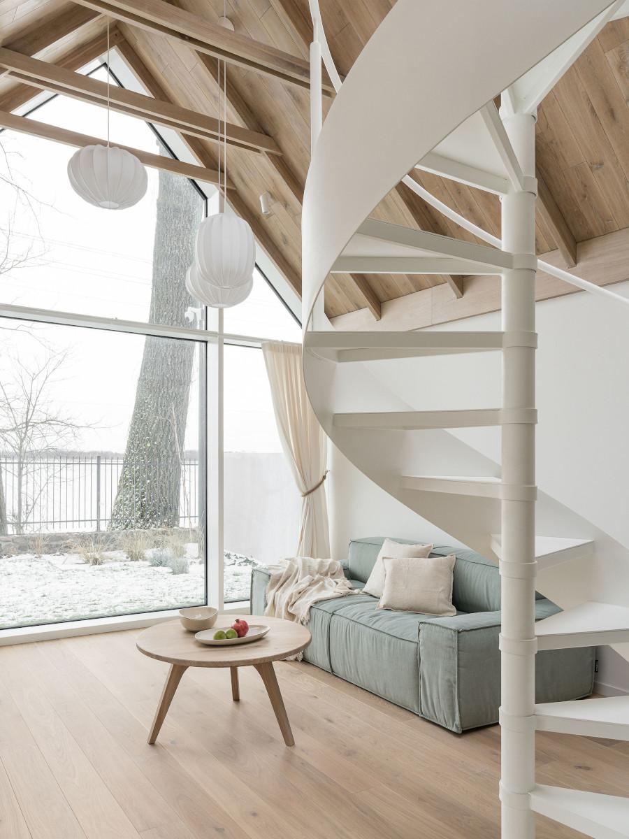 Mini domek w kształcie nowoczesnej stodoły   design: Katarzyna Piotrowska (photos: Katarzyna Seliga-Wróblewska, Marcin Wróblewski / Fotomohito