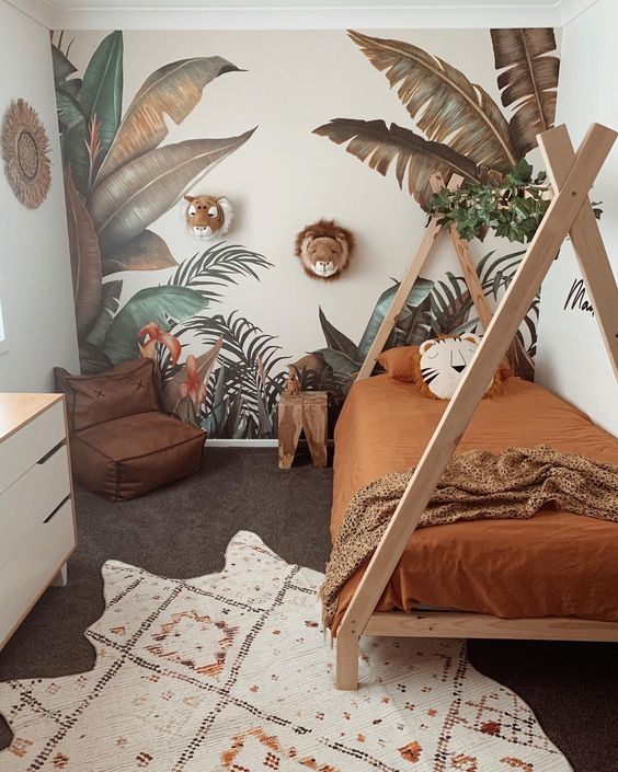 Sceneria lasu tropikalnego w pokoju dziecka