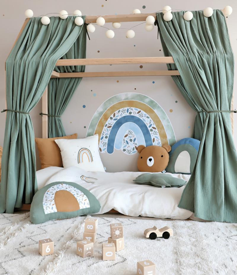 Przemyślana aranżacja łóżka dla dziecka