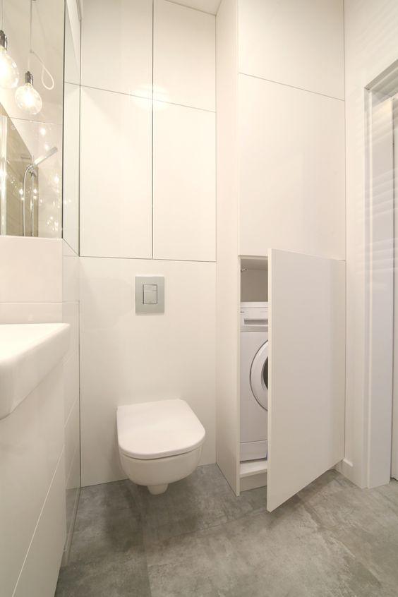 Mała łazienka z ukrytą pralką   proj. Pomysłownia