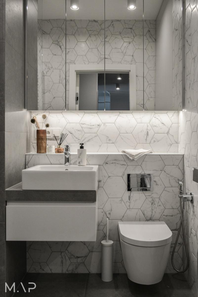 Szaro - marmurowa łazienka | proj. MAP Studio Monika Adamczyk - Popiel