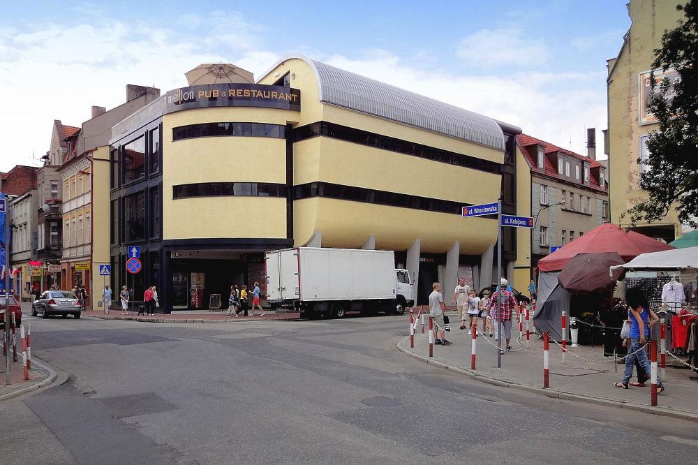 Budynek usługowy w Ostrowie Wielkopolskim