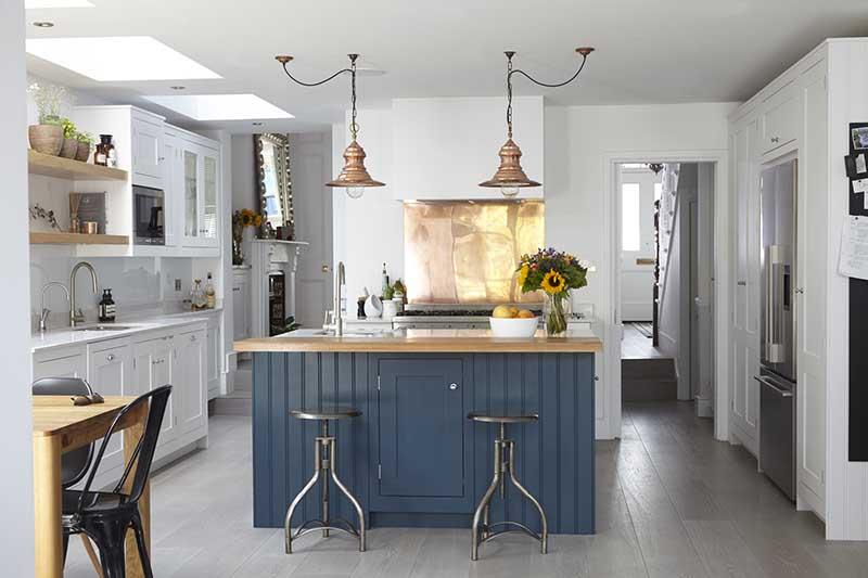 Miedziane akcenty w kuchni | źródło: http://blakeslondon.com/