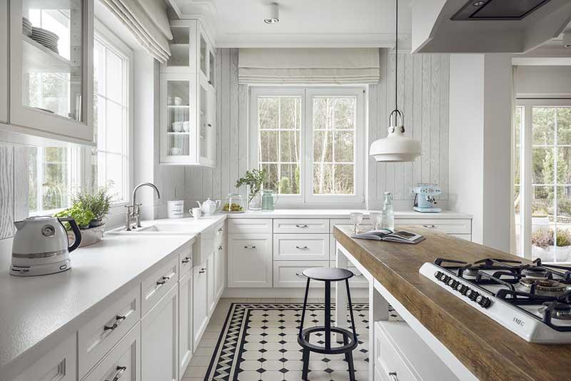 Wzorzyste płytki w skandynawskiej kuchni | proj. Mana Design