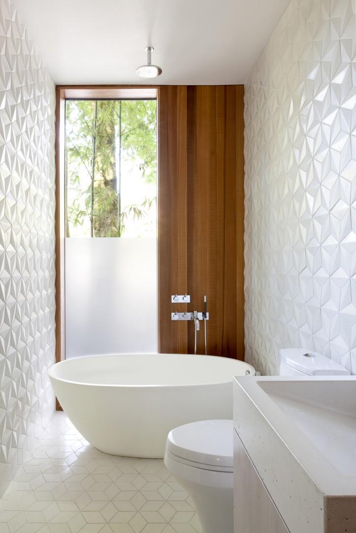 Płytki 3D w małej łazience